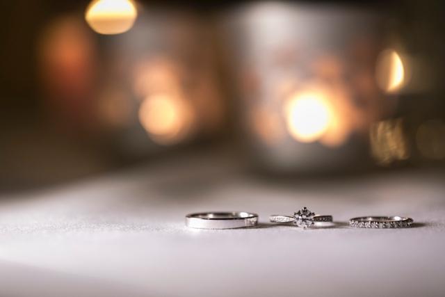 プラチナの結婚指輪と婚約指輪