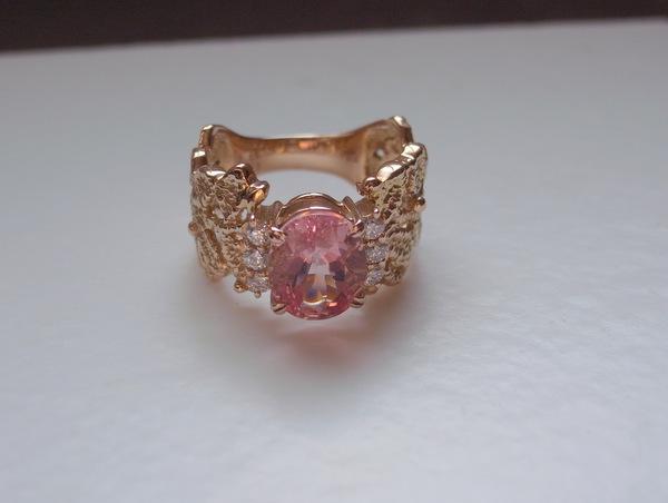 ピンクゴールドとトルマリンの指輪