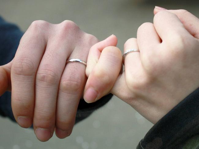 男性の結婚指輪、毎日着けるべき?...