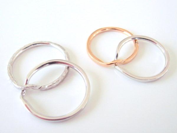 ギメルリングの結婚指輪の側面画像