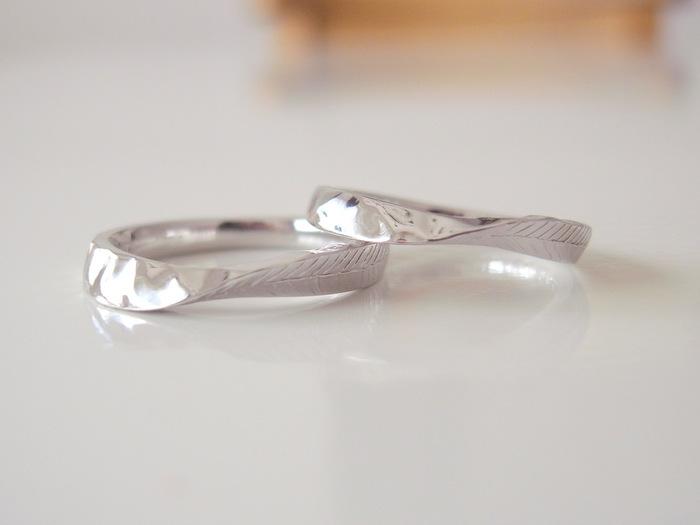 プラチナリングにテクスチャーを入れたオーダーメイドの結婚指輪