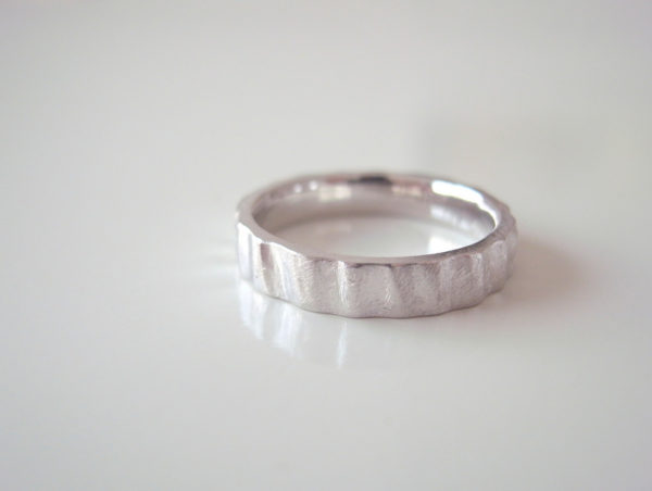 Promessaというプラチナの結婚指輪