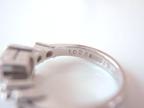 指輪内側にキャラット(石目)の刻印