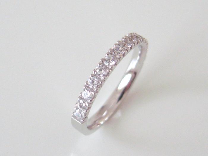 ハーフエタニティ―の結婚指輪