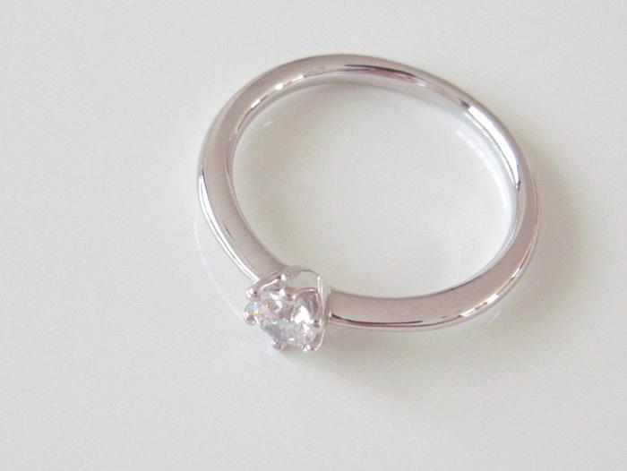プラチナの婚約指輪側面画像