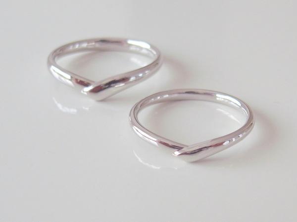 コロナ禍、結婚指輪の購入場所は変わったのか?...