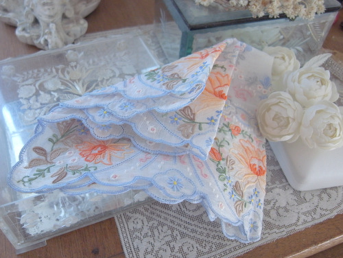 スワトウ刺繍のハンカチ