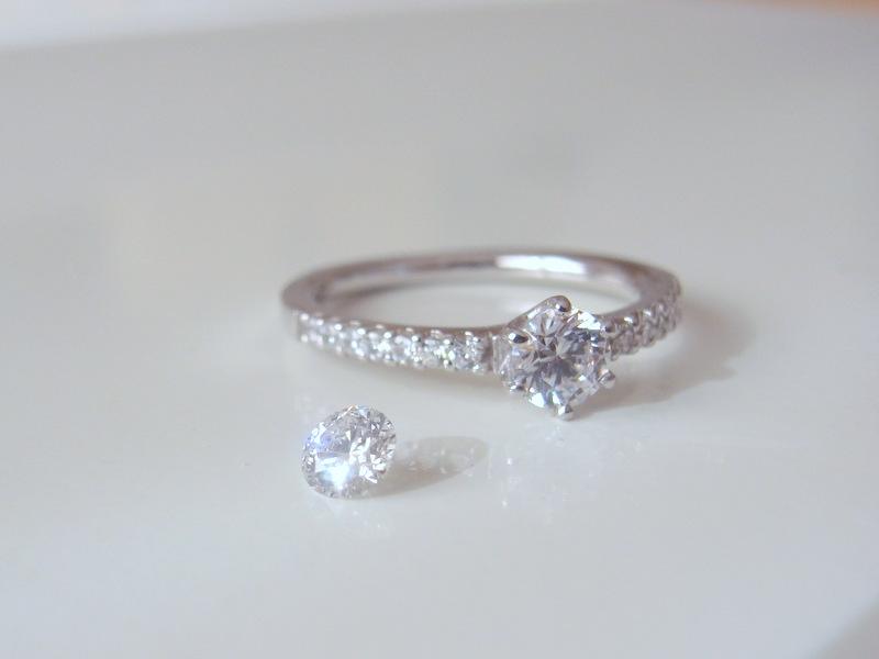 お持ちのダイヤモンドで、オーダーメイド可能...