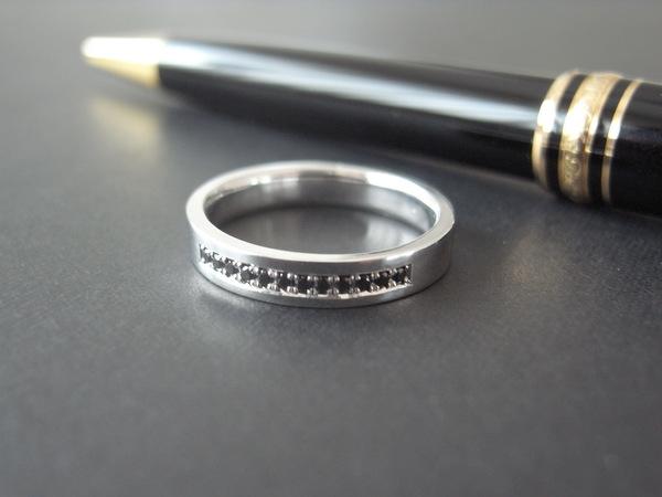 男性の結婚指輪・ダイヤモンドでオーダーメイド...