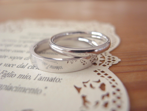 オーダーメイドで選ぶ結婚指輪は平打ち?甲丸?...